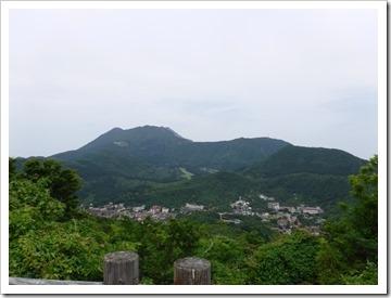 絹笠山からみた雲仙岳三峰